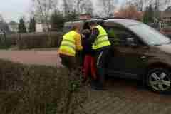 Eryk i Andrzej pomagają Maciejowi