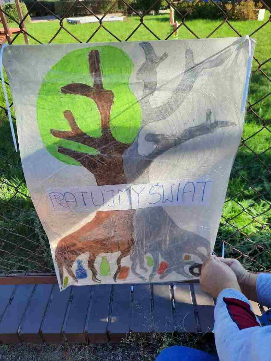 plakat wykonane przez uczniów